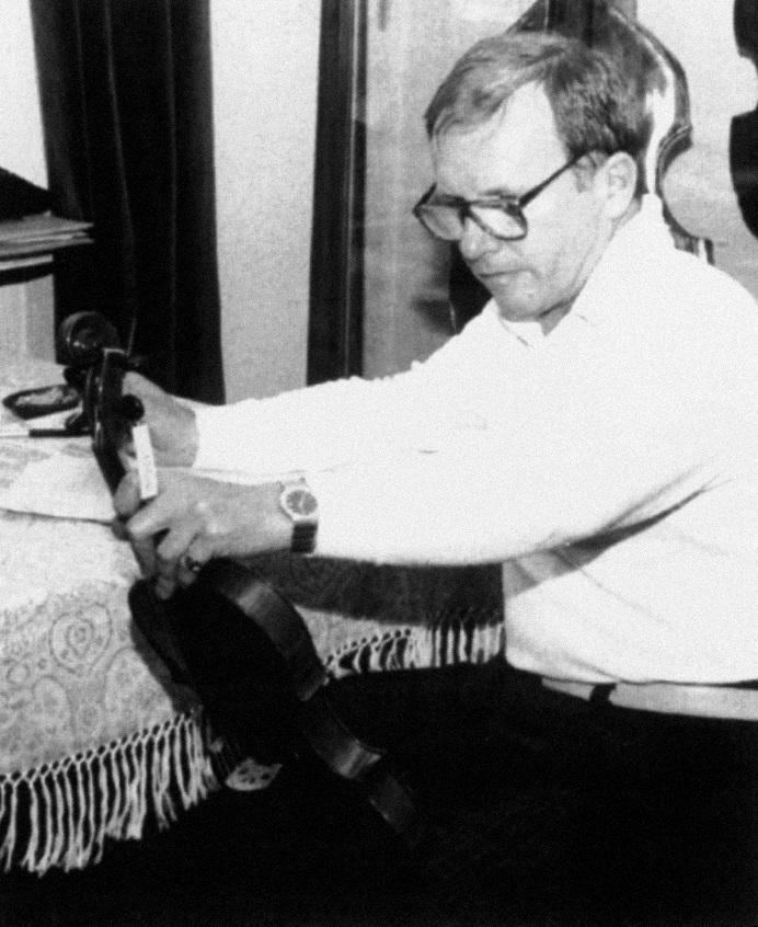 Przewodniczącym międzynarodowego jury Konkursu był Józef Bartoszek, laureat I nagrody piątej edycji Konkursu w 1977 r.
