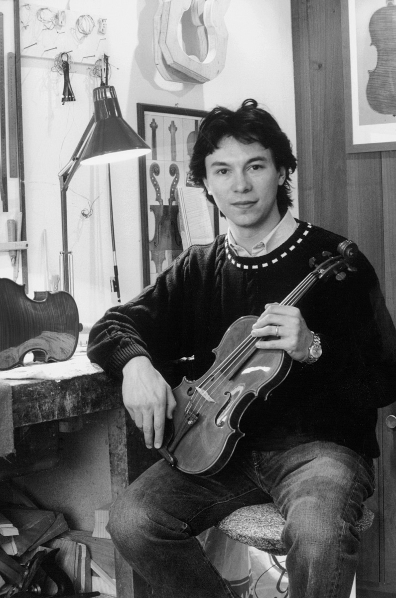 9th International Henryk Wieniawski Violin Making Competition (1996) in photographs