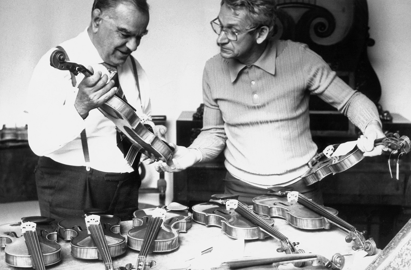 5th International Henryk Wieniawski Violin Making Competition (1977) in photographs