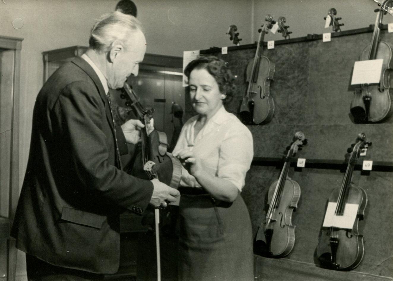 1. Międzynarodowy Konkurs Lutniczy im. Henryka Wieniawskiego (1957) w fotografii