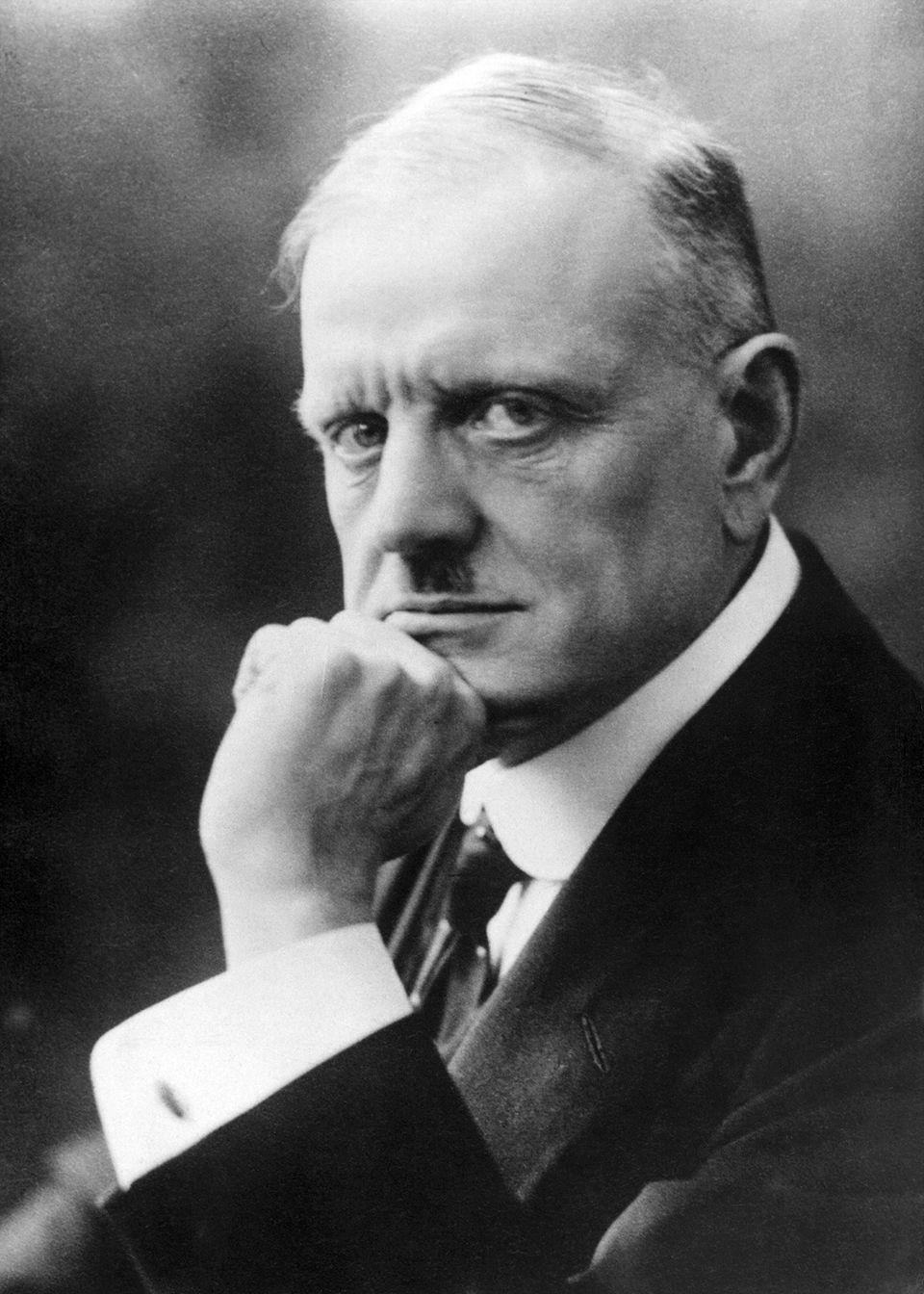 Early version of Jean Sibelius's Violin Concerto Op.47 - sheet music
