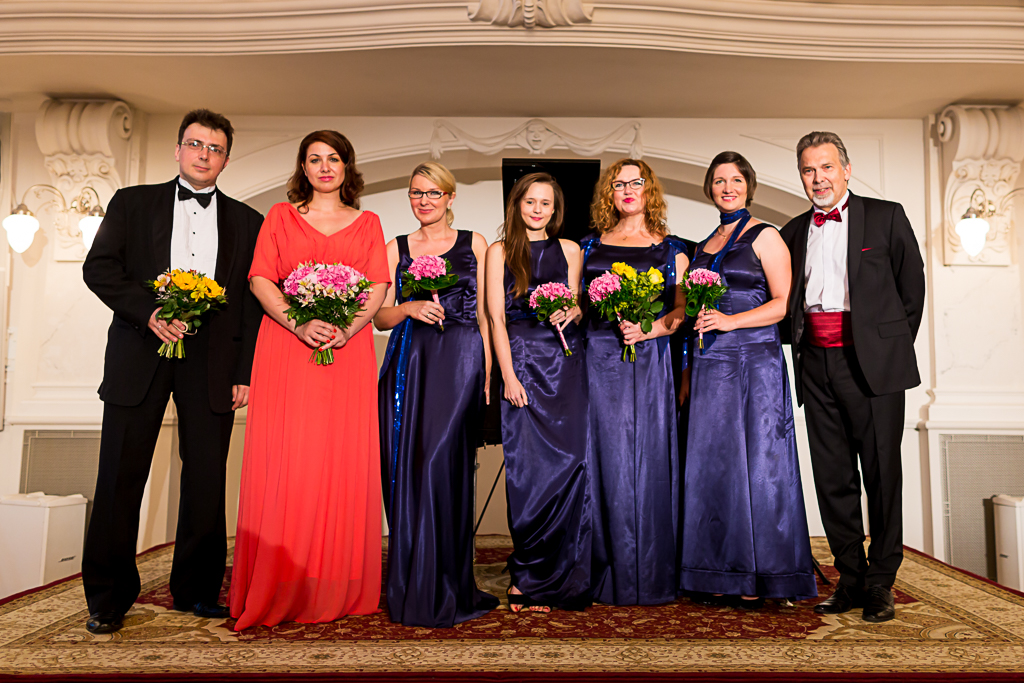 Od lewej: Robert Morawski, Małgorzata Godlewska, Artu'S Kwartet, Krzysztof Szaniecki. Wieniawski znów w Bazarze! Koncert 23.06.2016 r.