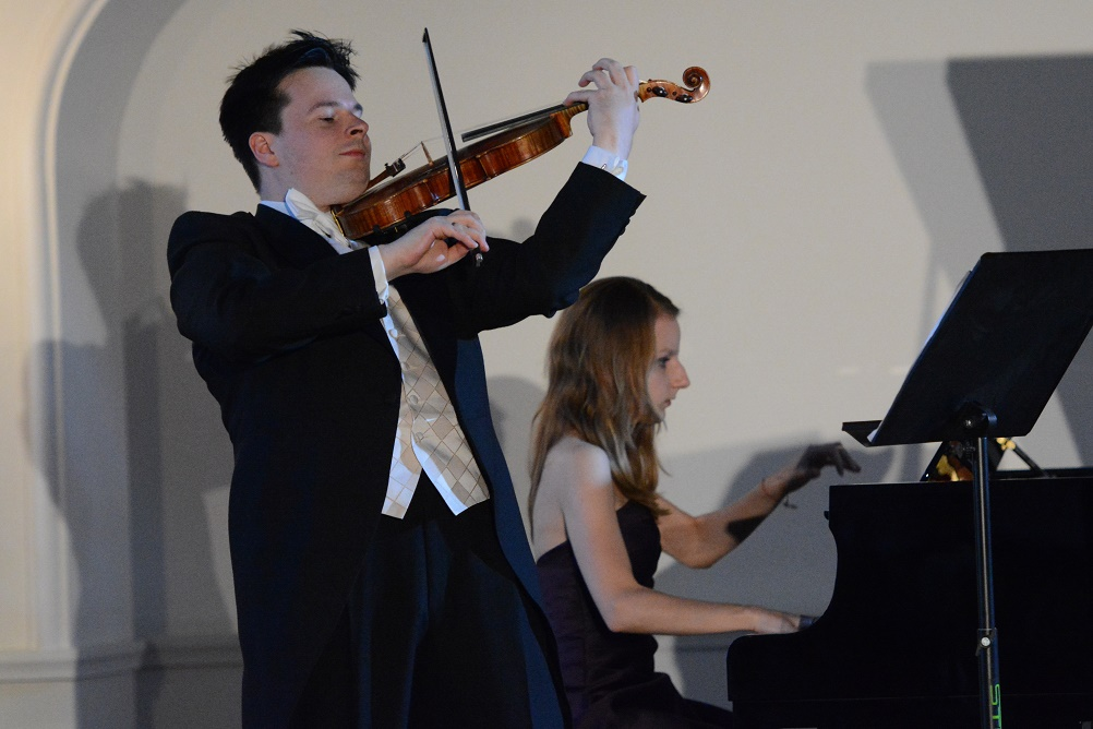 Stefan Tarara - skrzypce, Lora Vakova – Tarara - fortepian. Fot. Tadeusz Boniecki