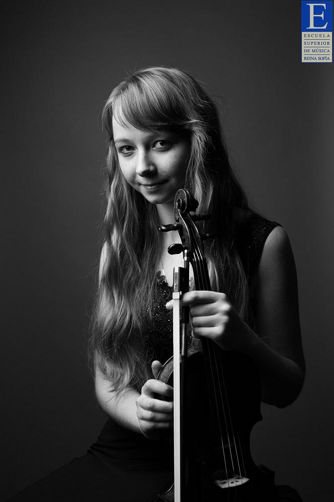 Eva Rabchewska (Ukraine)