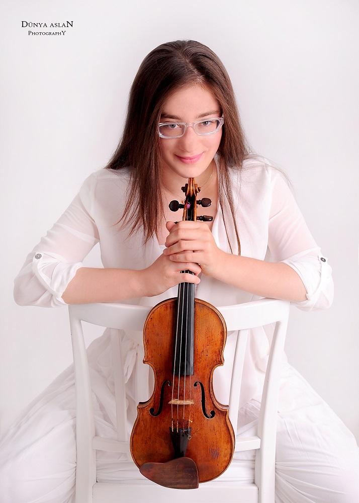 Veriko Tchumburidze (Gruzja/Turcja) - Laureatka pierwszej nagrody 15. Międzynarodowego Konkursu Skrzypcowego im. Henryka Wieniawskiego (2016)