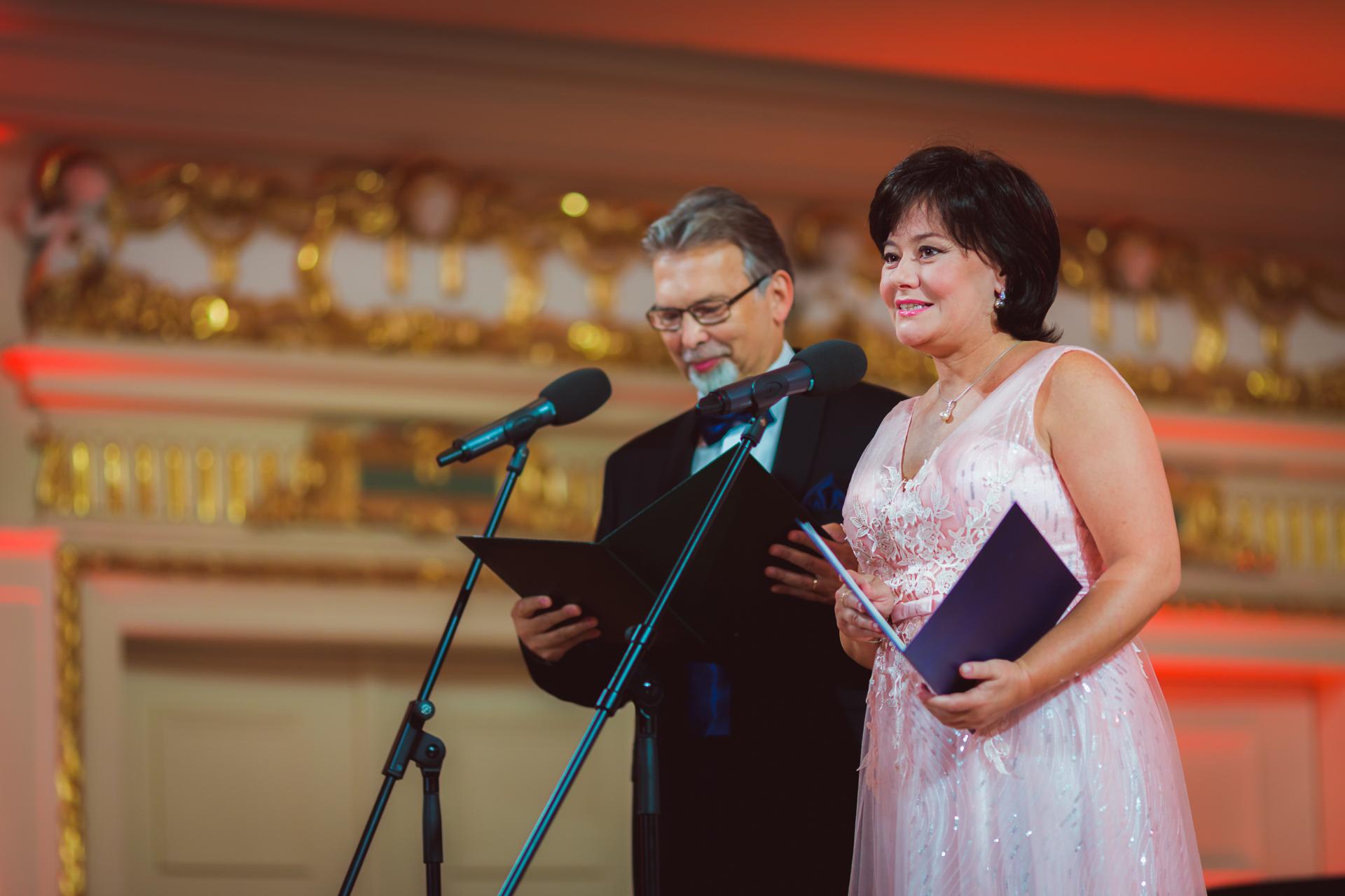 Monika Stachurska i Krzysztof Szaniecki - prowadzący przesłuchania konkursowe.