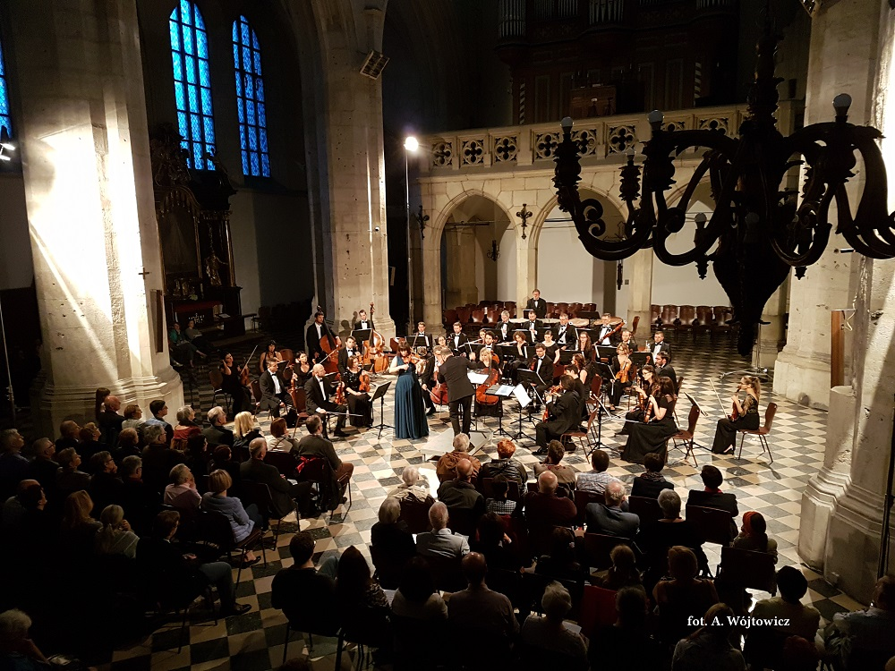 Prize endowed by Capella Cracoviensis Foundation – concert of Veriko Tchumburidze with Sinfonietta Cracovia conducted by Arman Tigranyan (Music in Old Cracow, 20.08.2017)